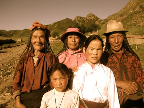 tibetan life amazing pictures stories and insights about the