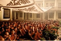 Tibetan Monks Chanting,Tibetan Throat Singing,Tibetan Buddhist mantra,Tibetan Prayers,Tibetan Monks